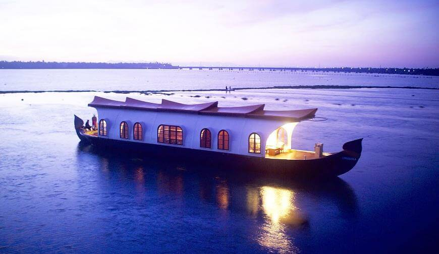 Kerala backwater honeymoon tours